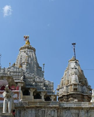 7553561-Jagdish_Temple_Udaipur.jpg