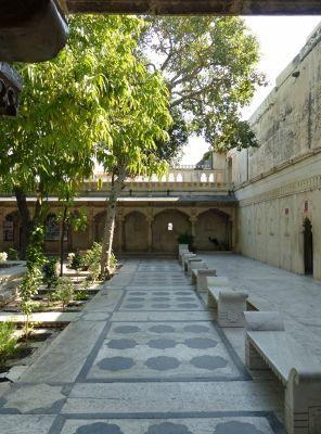 7553593-Badi_Mahal_Udaipur.jpg