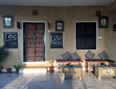 7554374-Door_to_our_room_Bundi.jpg