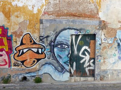7638436-Graffiti_Faro.jpg