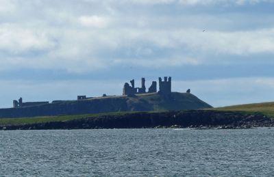 7669716-Dunstanburgh_Castle_Beadnell.jpg