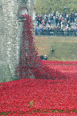 961831007224766-Blood_Swept_..Red_London.jpg