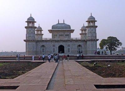 Agra_49_Itmad-ud-Daulah.jpg