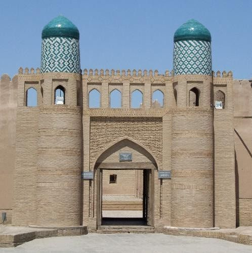 large_3608438-Kukhna_Ark_Khiva_entrance_Khiva.jpg