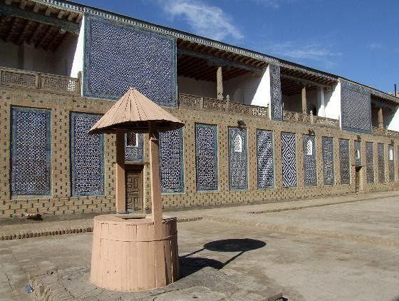 large_3608554-Harem_Tash_Hauli_Palace_Khiva_Khiva.jpg