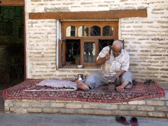 large_3610832-Bukhara_blacksmith_Uzbekistan.jpg
