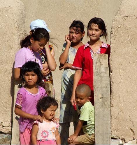 large_3650405-Children_of_Yangigazgan_Nurata.jpg