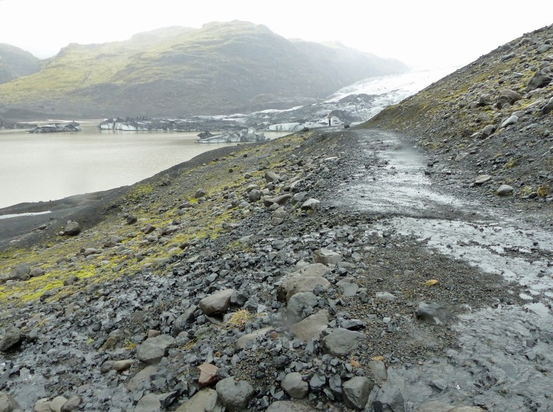 The path to Sólheimajökull