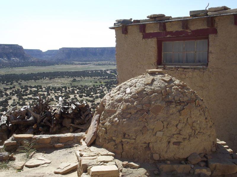 large_5914849-Horno_Acoma_Pueblo.jpg