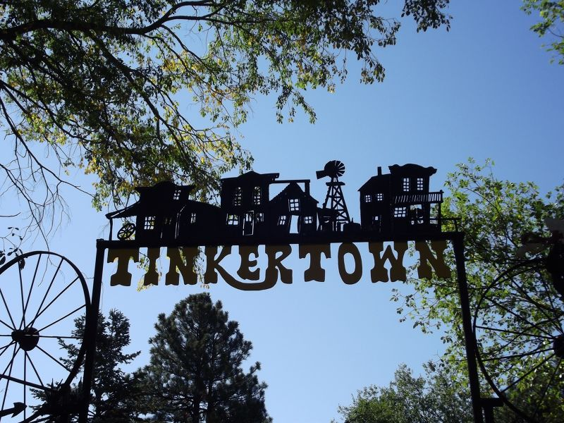large_5918150-Entrance_to_Tinkertown_Albuquerque.jpg