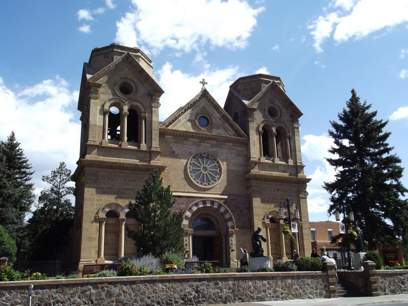 large_5918313-San_Francisco_Cathedral_Santa_Fe.jpg