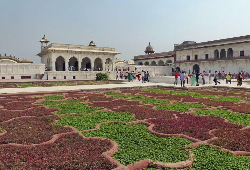 large_62563207524277-Anguri_Bagh_.._left_Agra.jpg