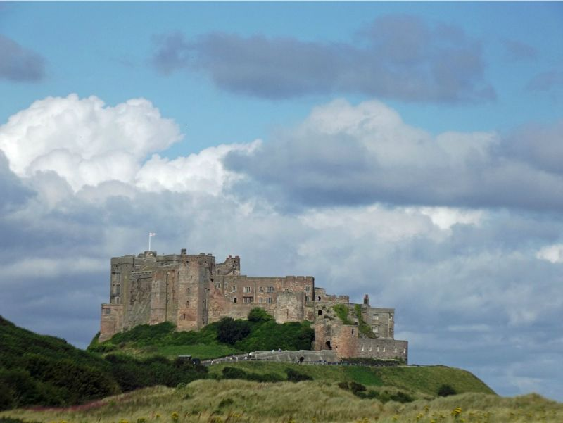 large_6338172-Bamburgh_Castle_Northumberland.jpg