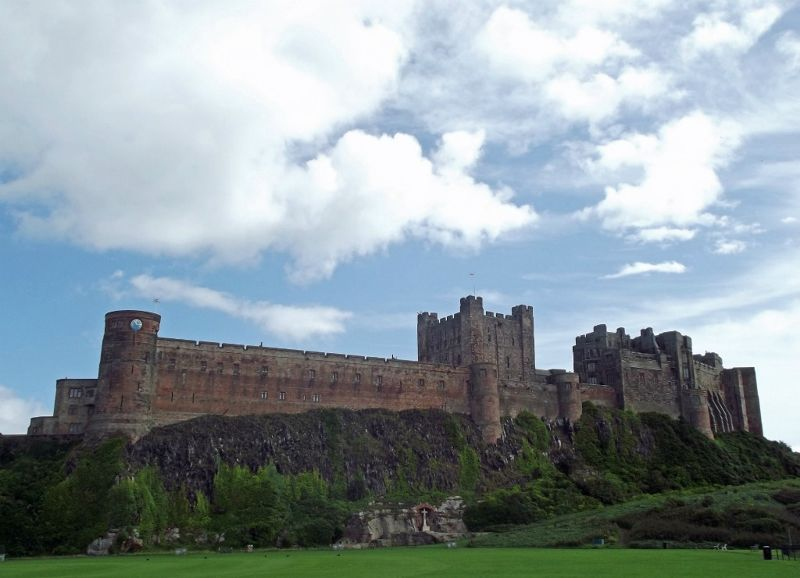 large_6338181-A_castle_by_the_sea_Bamburgh.jpg