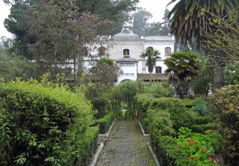 large_6468744-The_hacienda_Provincia_de_Cotopaxi.jpg