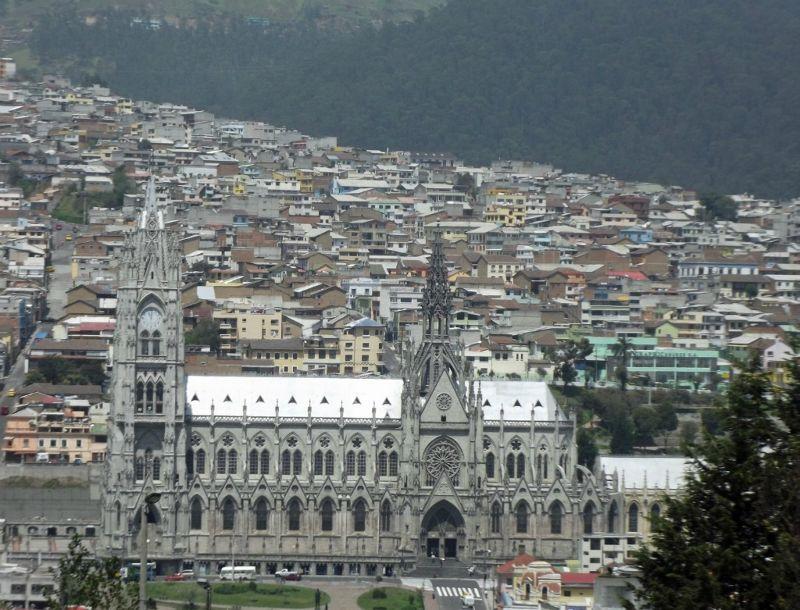 large_6468991-Basilica_del_Voto_Nacional_Ecuador.jpg