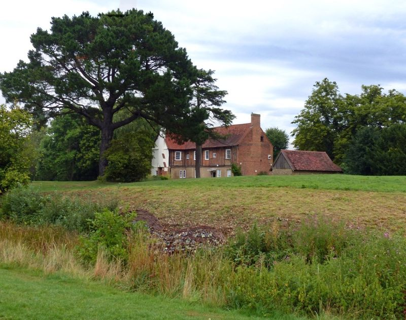 large_6808925-Manor_Farm_House_and_moat_Ruislip.jpg