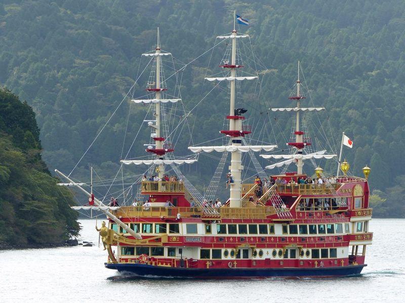 large_6892910-Cruise_on_a_pirate_ship_Hakone.jpg