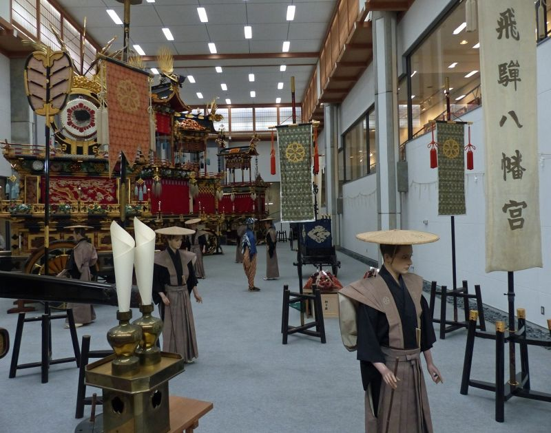 large_6927615-Main_exhibit_hall_Takayama.jpg