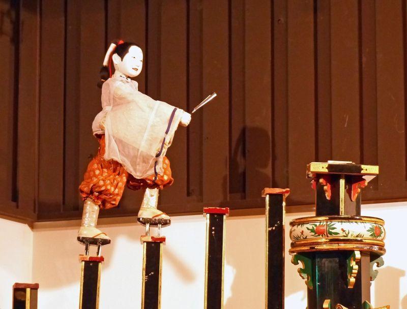large_6927679-Dashi_karakuri_Takayama.jpg