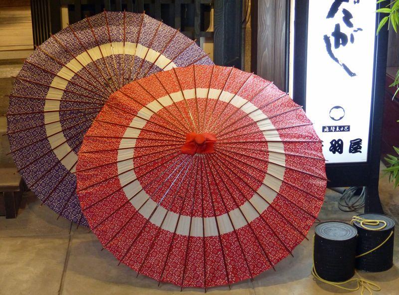 Shopping for souvenirs - Takayama