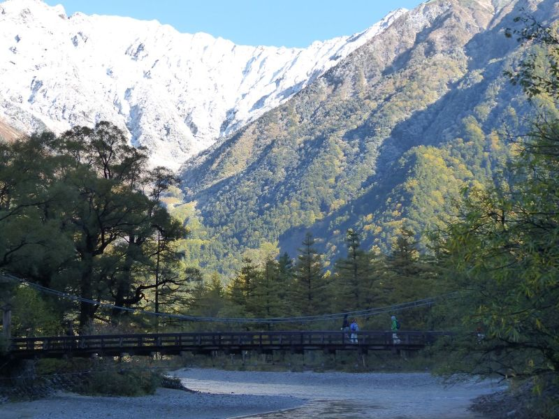 large_6932363-Kappa_bashi_early_morning_Kamikochi.jpg