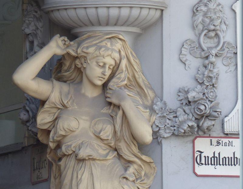 large_7113556-Rich_in_architectural_details_Vienna.jpg