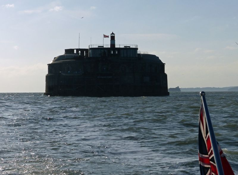 large_7307080-Spitbank_Fort_Portsmouth.jpg