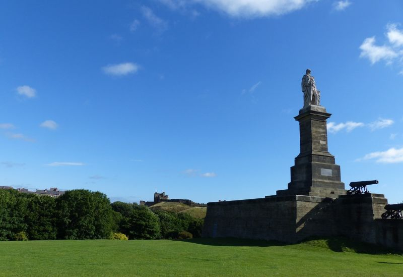 large_7463267-Collingwood_monument_Tynemouth.jpg