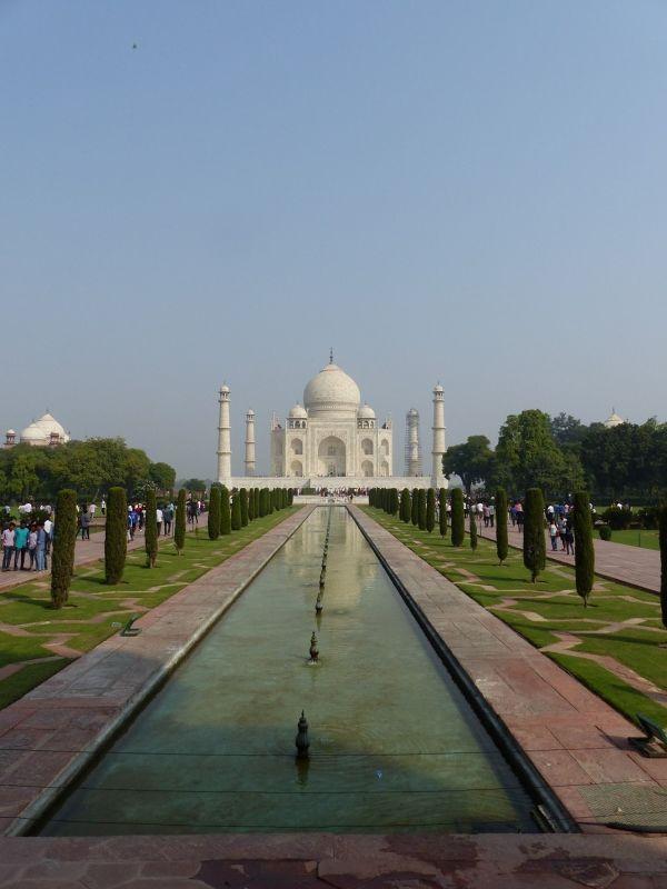 large_7524318-Taj_Mahal_Charbagh_gardens_Agra.jpg