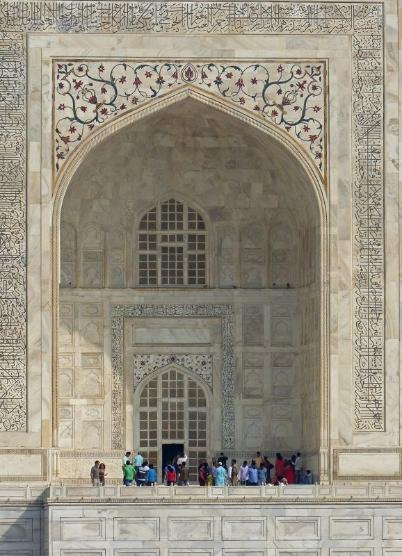 large_7524332-Taj_Mahal_visiting_information_Agra.jpg
