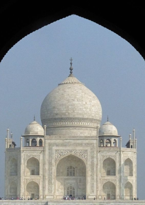 large_7524341-Taj_Mahal_history_and_myth_Agra.jpg