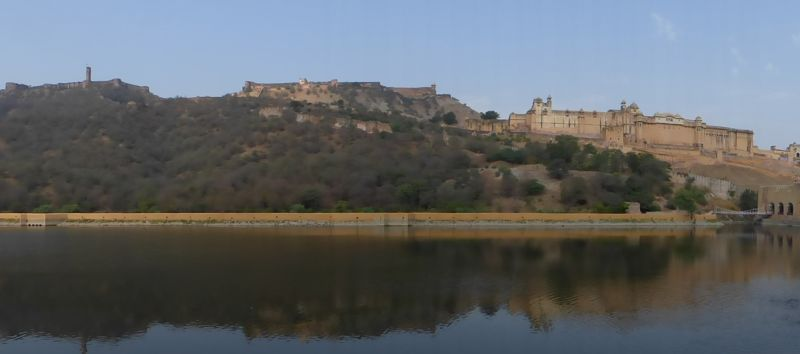 large_7526206-Amber_Fort_Maota_Lake_Amer.jpg