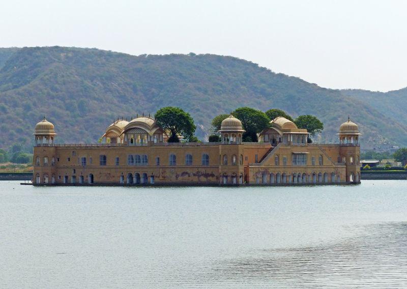 large_7530105-Jal_Mahal_Jaipur.jpg