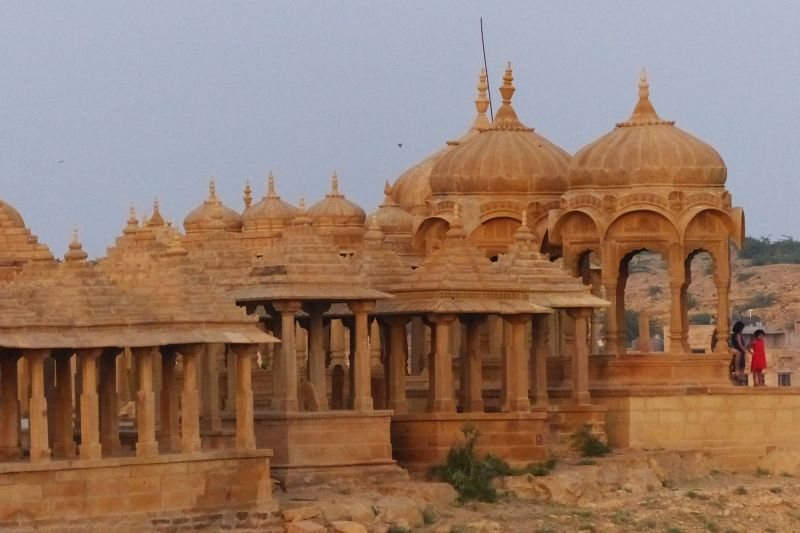 large_7536631-Sunset_at_Vyas_Chhatri_Jaisalmer.jpg