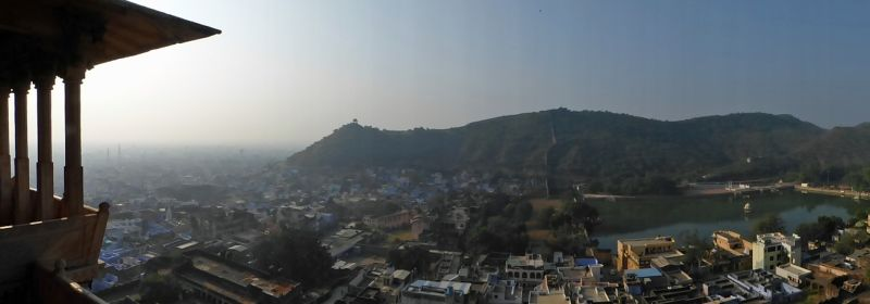 large_7554386-View_of_Bundi_from_the_palace_Bundi.jpg