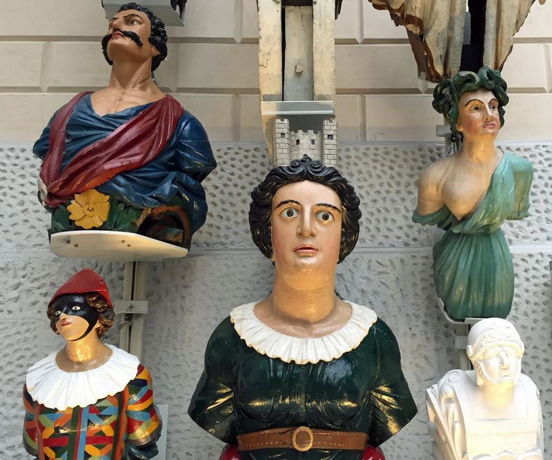 large_7583146-Figureheads_collection_Greenwich.jpg