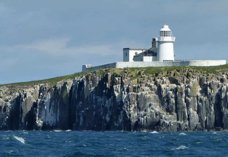 large_7670509-Inner_Farne_the_lighthouse.jpg
