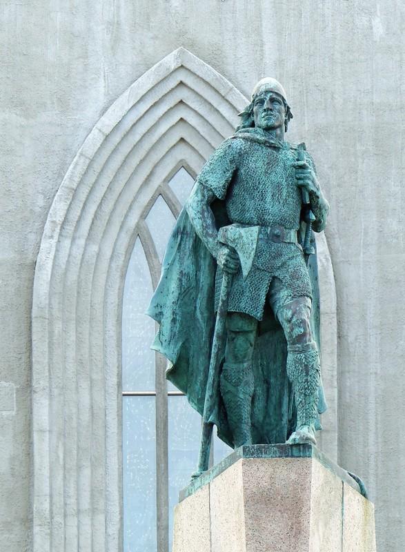 Leif Erickson and Hallgrimskirkja, Reykjavik