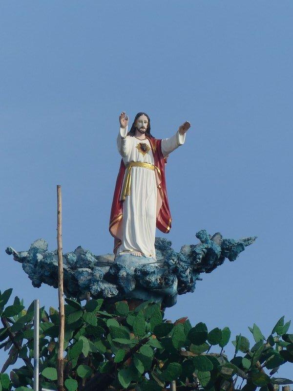 Statue at the Pattumala Matha Church