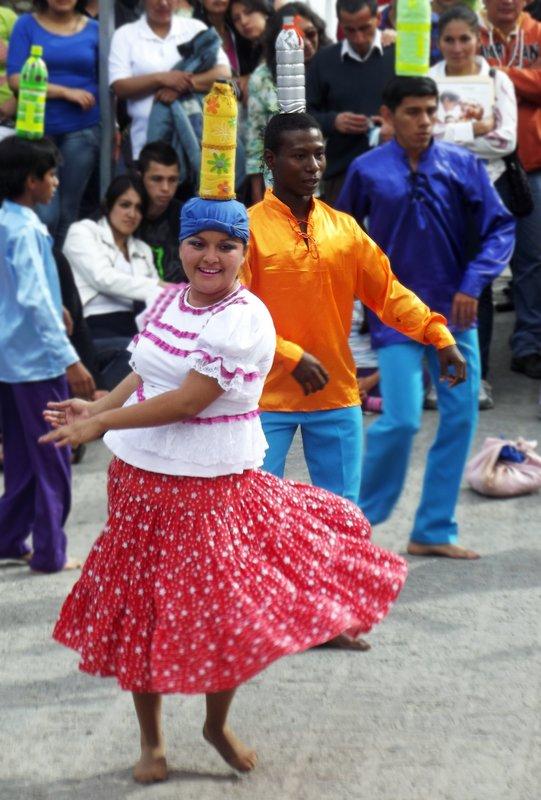 Dancers, Cuenca