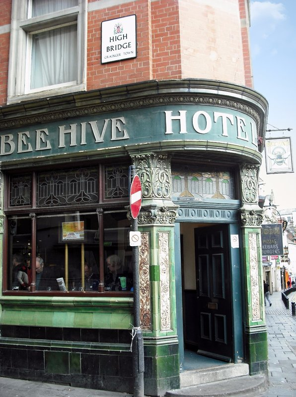Beehive Pub, High Bridge