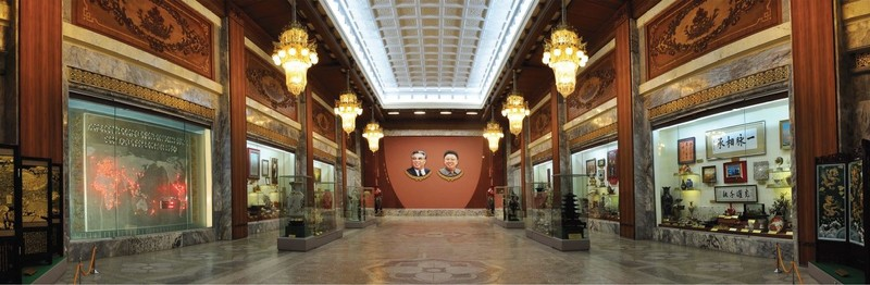 large_Foyer.JPG