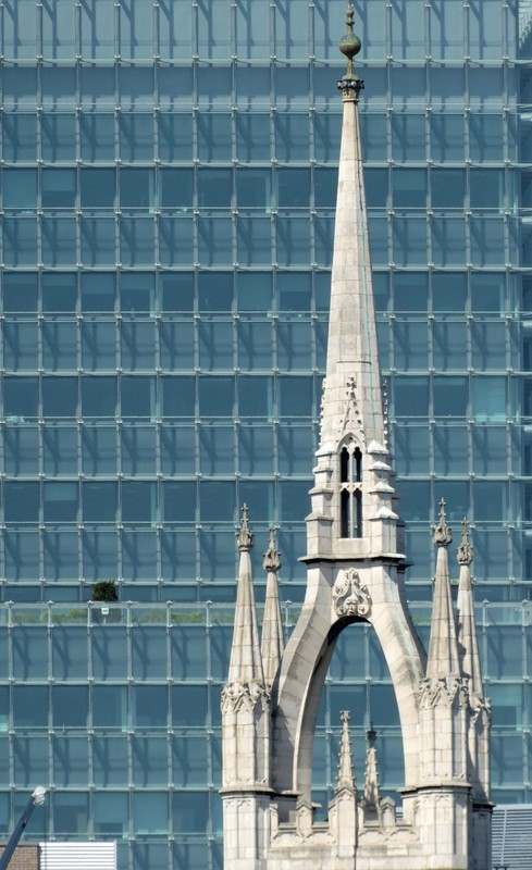St. Dunstan in the East from Hay's Galleria