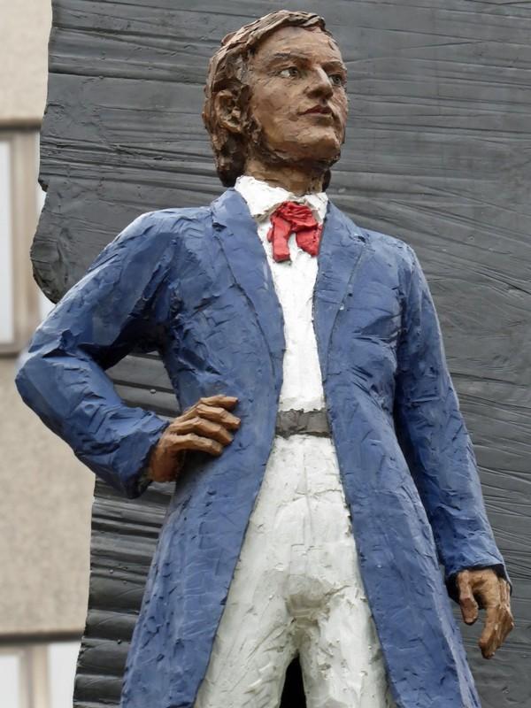 Richard Wagner statue