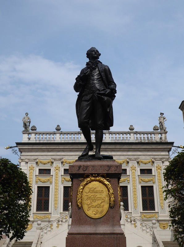 Statue of Goethe in front of the Handelsbörse, Leipzig