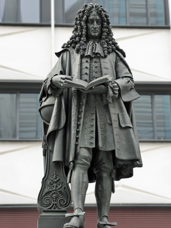 Statue of Leibnitz at the Paulinum, Leipzig