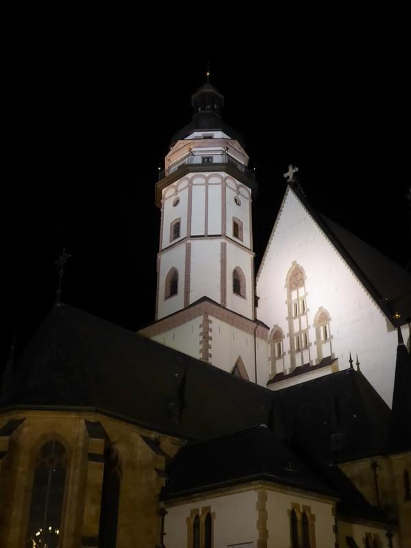 Thomaskirche at night