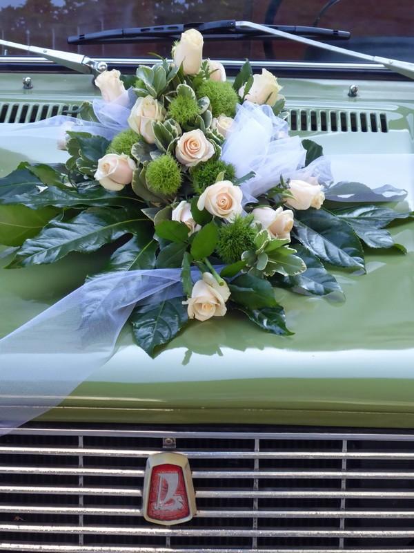 Wedding car at the Neues Rathaus, Leipzig