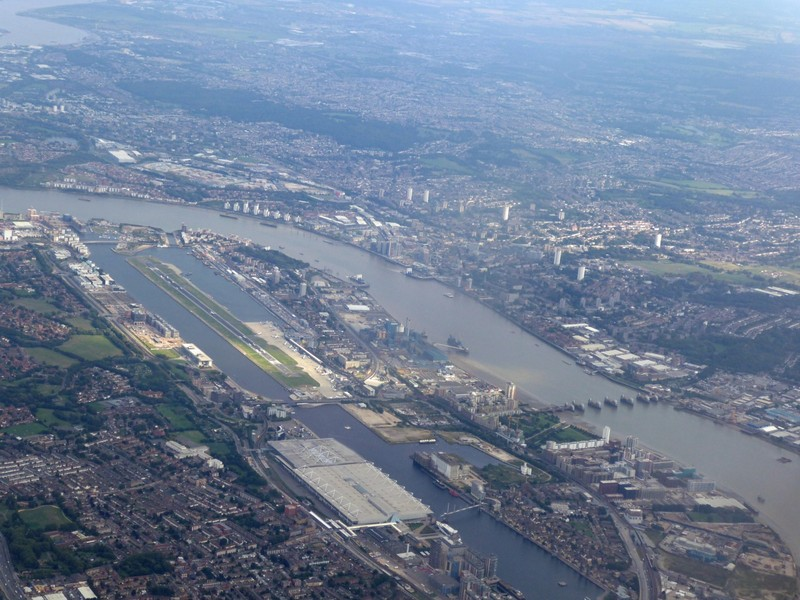 Flying in over London City Airport